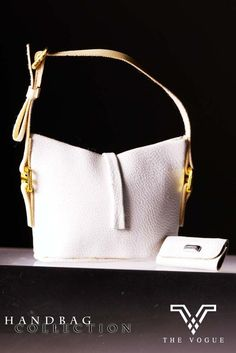 The VogueWhite Leather Hobo Handbag with Purse for FR Barbie FR2 Momoko Jenny #thevoguehkcom #DollswithClothingAccessories