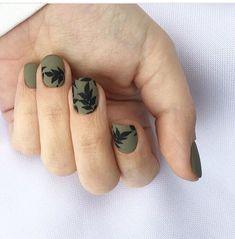 Nails matte design nailart manicures 15 Ideas for 2019 Gold Nails, Matte Nails, Hair And Nails, My Nails, Manicure Y Pedicure, White Manicure, Manicure Ideas, Happy Nails, Minimalist Nails