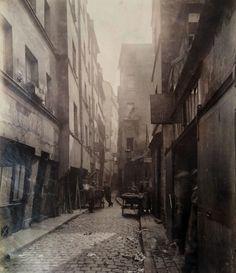 Impasse de la Baudorie, Rue de Venise, Paris 1890 © Eugène Atget