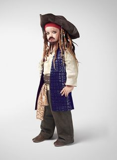 Ever wonder what famous movie characters might have looked like when they were children? Super cute new campaign imagines Jack Sparrow, Forrest Gump and Cruella de Vil as mini movie stars Indiana Jones, Famous Movies, New Movies, Greatest Movies, Costume Jack Sparrow, Forrest Gump, Jack Sparrow Fantasia, Halloween Kids, Halloween Costumes
