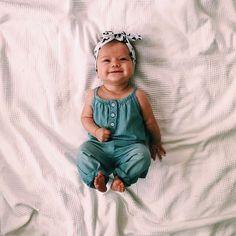 Scarlett - Baby Names - Bebe So Cute Baby, Baby Kind, Cute Kids, Cute Babies, Cute Little Baby Girl, Fashion Kids, Baby Girl Fashion, Baby Girl Outfits, Newborn Outfits