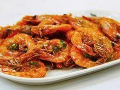 Jak udělat rybí špízy s krevetami | recept Chili Garlic Shrimp Recipe, Garlic Prawns, Mini Four, Barbecue Shrimp, Marinated Shrimp, Prawn Recipes, Hot Pepper Sauce, Sweet Chilli Sauce, Seafood Dinner