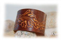 Bracelet cuir feuille de chêne pour femme pour homme par ALeatherCC