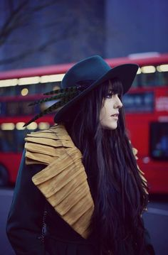 That's what NITA SAO's hats and head accessories are when they transform plain outfits into spectacular ones! Strong Personality, Head Accessories, One Clothing, Trench, Cowboy Hats, Winter Fashion, Type, Chic, Easy