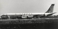 On 8 May 1972, Flight 571 from Vienna to Tel Aviv with 101 people on board (a Boeing 707 registered OO-SJG) was hijacked by four members of the terrorist organization Black September, in order to secure the release of 315 detainees from Israeli prisons. At Ben-Gurion International Airport, two hijackers were shot and killed by the Israeli Sayeret Matkal special forces (here on 9 May 1972). One passenger died later of the wounds she had suffered in the shoot-out.