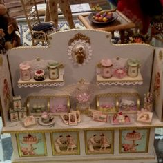 cabinets, displays miniature