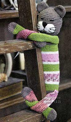 Crochet pattern at site (Translated) Somewhat confusing! Crochet Home, Crochet For Kids, Crochet Baby, Knit Crochet, Gato Crochet, Cat Doll, Easy Crochet Patterns, Crochet Animals, Handmade Toys