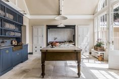 A Purists Kitchen Queen Anne house Hampshire English Country Kitchens, English Country Manor, Country Life, French Kitchens, Country Houses, Country Decor, Country Style, Blue Country Kitchen, French Country