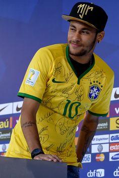 Neymar Photos: Brazil Training Session