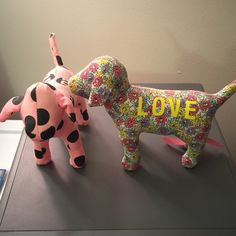 PINK Victoris Secret Dogs Had for a few years. Great condition! PINK Victoria's Secret Other