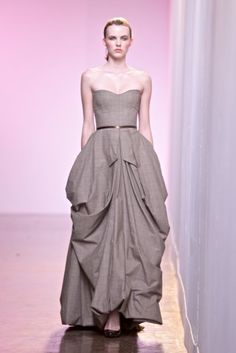 abigail betz dress Strapless Dress Formal, Formal Dresses, Couture Outfits, Floor Length Gown, Cool Style, My Style, Vintage Couture, Classy Dress, Girl Humor