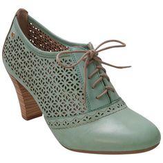 Buy Aqua Pikolinos Women's Safari 935-7641 Aqua Pump Shoe shoes