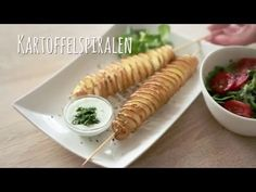 Video: Knusprige Kartoffelspiralen  #video #yummy #grillbeilage #potato #sogood #bbq #summer #curly #easy #delicous #dip #rotd #trick #selfmade #watch #howto