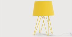 Collins, une lampe de table, jaune ocre | made.com