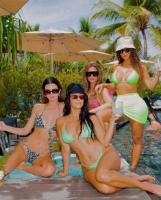 Photos from Kim Kardashian Bikini Pics - E! Online Kim Kardashian Bikini, Kourtney Kardashian, Familia Kardashian, Kardashian Jenner, Kardashian Photos, Kardashian Style, Kris Jenner, Kendall Y Kylie Jenner, Tristan Thompson