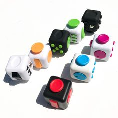 Launch your fidget cube, now. But if you're looking for a fun way to entertain or anticipate anxiety, you might be interested in a device called the Fidget Cube. Cool Fidget Spinners, Cool Fidget Toys, Cool Toys, Figet Toys, Buy Toys, Fidgit Cube, Fidgit Spinner, Latest Kids Toys, Best Baby Toys