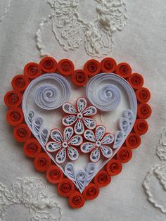 12 Awesome Paper Quilling Jewelry Designs To Start Today – Quilling Techniques Quilling Comb, Paper Quilling Jewelry, Neli Quilling, Origami And Quilling, Quilled Paper Art, Quilling Craft, Quilling Patterns, Quilling Designs, Quilled Roses