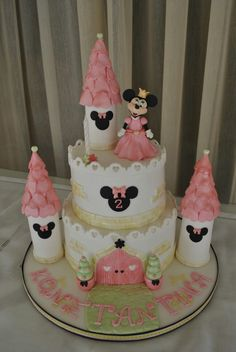 Minnie mouse castle cake. Minni Mouse Cake, Mickey And Minnie Cake, Minnie Mouse Birthday Cakes, Mickey Mouse Cupcakes, Mickey Cakes, Mickey Birthday, Little Girl Birthday, Birthday Cake Girls, 3rd Birthday