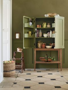 Neptune, Drinks Cabinet, Traditional Kitchen, Furniture Making, New Kitchen, Kitchen Design, Furniture Design, Sweet Home, New Homes