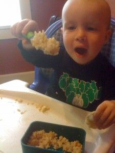 what to feed a picky toddler. great list of ideas from post and comments!