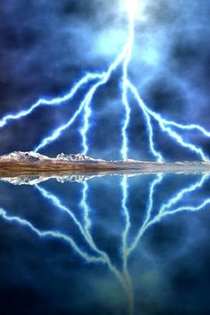 Huge lightning strikes plus it's reflection. All Nature, Science And Nature, Amazing Nature, Thunder And Lightning, Lightning Storms, Tornados, Thunderstorms, Wild Weather, Lightning Strikes