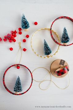 A super inexpensive and ADORABLE Christmas Ornament craft!     mynameissnickerdoodle.com