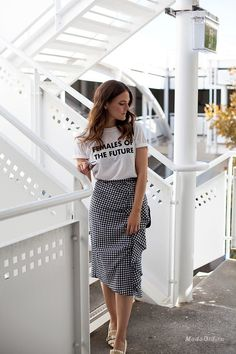 Get this look: More looks by Jenelle Witty: lb. Modest Dresses, Modest Outfits, Skirt Outfits, Modest Fashion, Fashion Outfits, Gucci Marmont Pump, Skirt Mini, Midi Skirt, Fashion Vestidos
