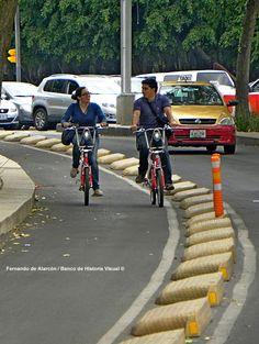 Conversación sobre ruedas. Conversation on wheels.