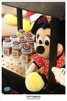 Vintage Mickey and Minnie Mouse Party via Kara's Party Ideas | Kara'sPartyIdeas.com #vintage #mickey #and #minnie #mouse #party (37)