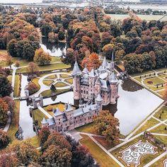 (@ontripworld) Haar Castle, Utrecht, Netherlands🏰