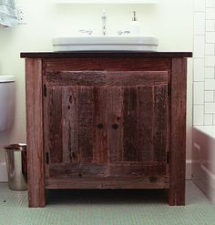 Reclaimed Wood Farmhouse Vanity - Do It Yourself Home Projects Diy Pallet Projects, Furniture Projects, Home Projects, Diy Furniture, Primitive Furniture, Primitive Crafts, Furniture Plans, Reclaimed Wood Vanity, Weathered Wood