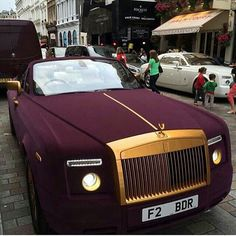 My Saturday Car is a New Rolls Royce Phantom don't know exact color I want it yet but I like this one ya feel me Bugatti, Maserati, Auto Rolls Royce, Voiture Rolls Royce, Sexy Cars, Hot Cars, Porsche 550 Spyder, Carros Lamborghini, Mercedes Benz G