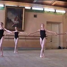 Ballet Gif, Ballet Dance Videos, Dance Tips, Dance Moves, Ballet Dancers, Ballet Pictures, Dance Pictures, Baile Hip Hop, Vaganova Ballet Academy