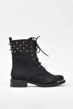 Combat Battle Boots - Black, cute with skinny jeans. Heeled Boots, Bootie Boots, Shoe Boots, Shoe Bag, Cute Shoes, Me Too Shoes, Crazy Shoes, Black Boots, Fashion Shoes