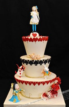 Alice in Wonderland Cake  {can this please be my 24th birthday cake?} i wanna have an alice in wonderland themed tea party birthday party & this is the cake  i want!