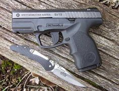 Concealed carry and home defense compact pistol You Magazine, Steyr, Home Defense, Concealed Carry, Knifes, Tactical Gear, Bushcraft, American Made, Edc