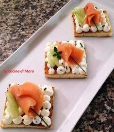 Fougas with scrapes - Clean Eating Snacks Amazing Food Decoration, Ricotta, Appetizers For Party, Parties Food, High Tea, Diy Food, Clean Eating Snacks, Street Food, Finger Foods