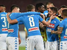 Napoli players celebrate after scoring goal 1-0 during the Serie A match between SSC Napoli and Empoli FC at Stadio San Paolo on October 26, 2016 in Naples, Italy.