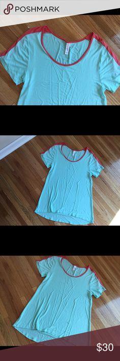 LuLaRoe top (m) Size medium. Fun mint (blue/green color) LuLaRoe Tops