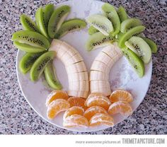 This would make a great snack for that reading club or a night time reading snack.  Pair it up with Treasure Island or perhaps a book about pirates.   Kiwi fruit for the tops of the banana tree with orange or mandrian slices at the bottom.