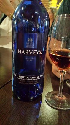 Harveys Bristol Cream  Xérès/Sherry  Pedro Ximenez 100%  Spain dessert wine