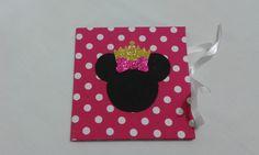 Capinha para cd/dvd em cartonagem revestida em tecido com, personalizado no tema Minnie Princesa. <br>Para presentear alguém especial com um disco de recordações. <br>Ideal para fotógrafos entregarem seus trabalhos. <br>Fazemos outras cores. <br>Consulte estampas abaixo.
