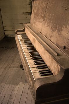"""don't know why.. but I also see a lot of """"history"""" and """"memories"""" in this.. Love The Piano."""