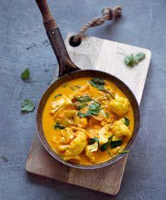 Kukkakaalicurry | Maku Vegan Recipes Easy, Veggie Recipes, Wine Recipes, Vegetarian Recipes, Veggie Food, Vegan Foods, Vegan Dishes, I Foods, Good Food