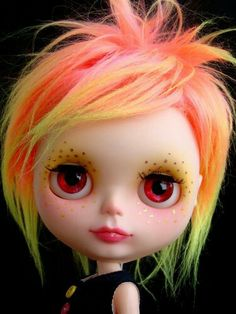I love this kind of hair on Blythe! Pretty Dolls, Cute Dolls, Beautiful Dolls, Doll Toys, Baby Dolls, Living Dead Dolls, Barbie, Gothic Dolls, Little Doll