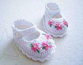 Rosa flor botitas de bebé ganchillo de algodón blanco - listo a nave
