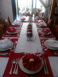 14 best round table settings images wedding tables dream wedding rh pinterest com