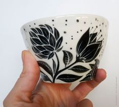 glazed porcelain pot decorated with engobe © philomene251 - 2013 - all rights reserved
