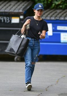 Lucy Hale Street Style - Visits a Friend's House in Studio City Lucy Hale Style, Outfits and Clothes. Cute Preppy Outfits, Basic Outfits, Casual Outfits, Fashion Outfits, Summer Outfits, Celebrity Dresses, Celebrity Style, Lucy Hale Outfits, Lucy Hale Style