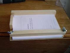 Fun and Easy How to Guide to Binding Your Own Paperback Books at Home... FAST.  (Técnica sin costuras)